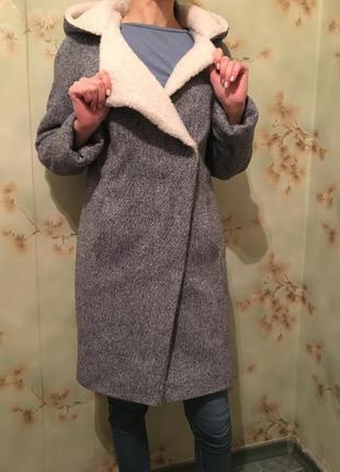 Женское тёплое пальто , воротник из овечьей шерсти