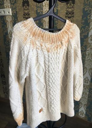 Вязаный удлиненный свитер оверсайз с золотым и серебрянным напиление