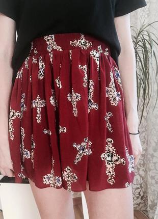 Красная стильная юбка hearts & bows