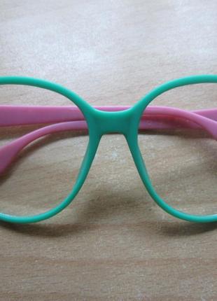 Очки с прозрачными линзами (без диоптрий)