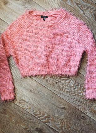 Пушистый укороченый свитер bershka