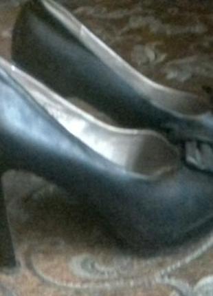Черные кожанные туфли