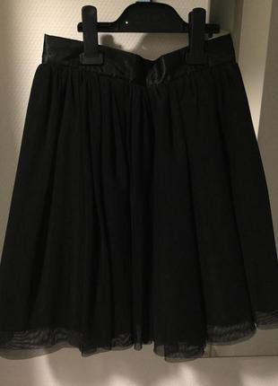 Пышная чёрная юбка миди