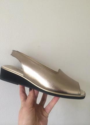 Кожаные мягкие босоножки париж классика стиль slingbacks 39р.