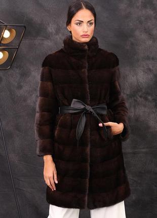 Норковое пальто, поперечного кроя, цвет махагон италия новая 46-48р.