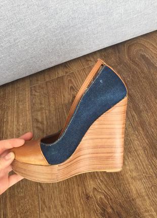 Туфли на танкетке от zara
