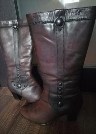 Тёплые зимние сапоги на каблуке
