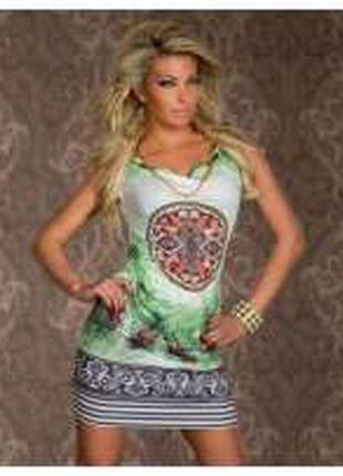 Клубное платье прямого фасона