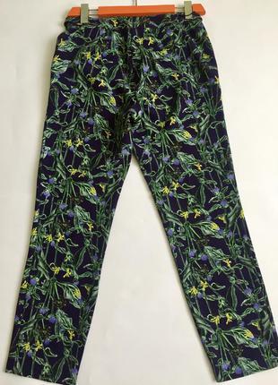 Стрейчевые брюки в цветочный принт