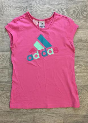 Розовая спортивная футболка asidas