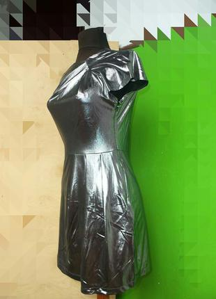 Платье мини по фигуре цвета металлик / серебристое nelly trend s,m2