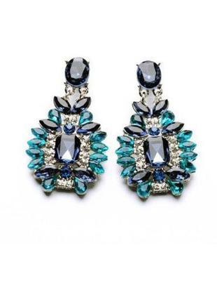 Шикарные серьги с яркими синими камнями