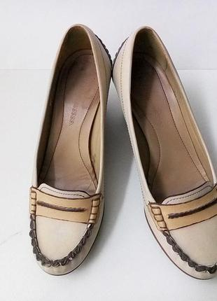 Туфли на танкетки clarks