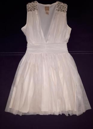 Нарядное платье с фатина с жемчужинами раз.s
