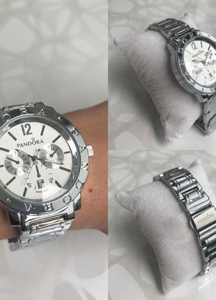 Женские наручные металлические часы с датой серебристые