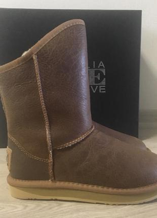 Ugg australia lux collective