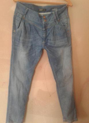 Супер джинси жіночі,длінна 96,в поясі 80