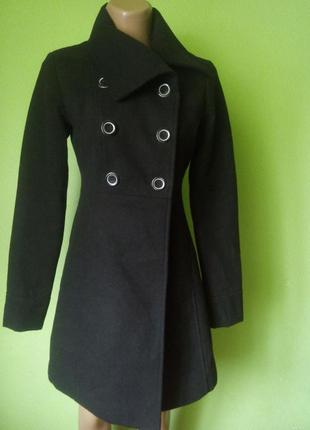 Красивое пальто на стройную фигурку