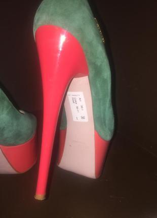 Туфли на высоком каблуке брендовые