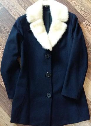Шерстяное пальто  с норкой