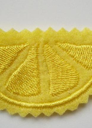 Нашивка на одежду лимон