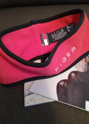 Флисовая повязка на голову от известного бренда tommy hilfiger.