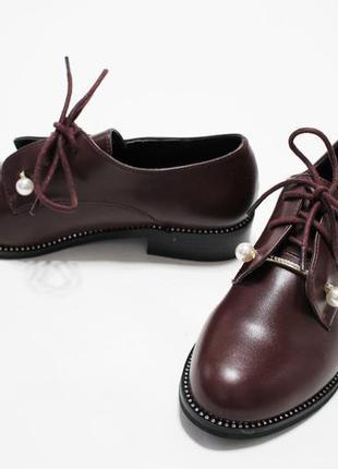 Женские туфли на шнуровках в бордовом цвете. материал - эко-кожа.4 фото