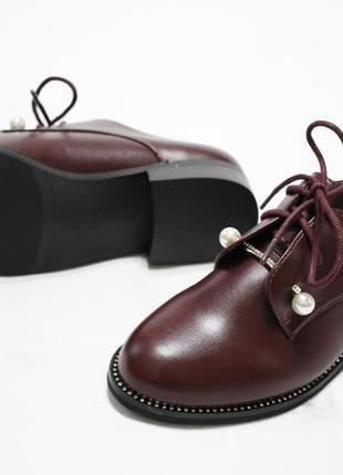 Женские туфли на шнуровках в бордовом цвете. материал - эко-кожа.3 фото