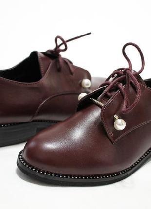 Женские туфли на шнуровках в бордовом цвете. материал - эко-кожа.5 фото