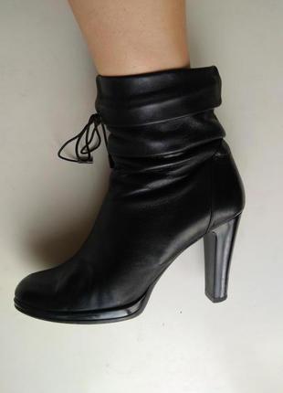 Ботинки на каблуке,сапоги натуральная кожа