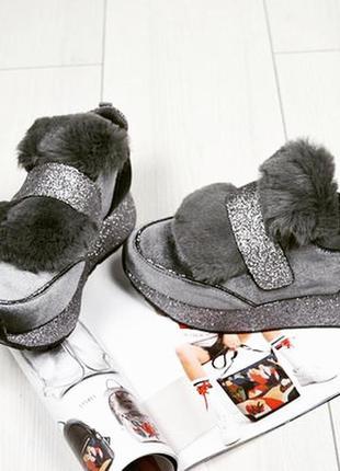 Новые кросовки с мехом