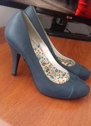 Новые синие туфли от blanco. размер 38,