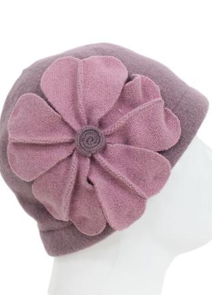 Шерстяная шапочка с цветком tonak 8206
