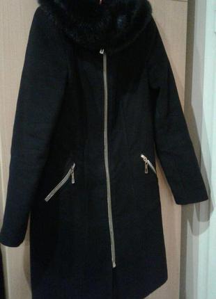 Пальто прямое с  меховім воротником