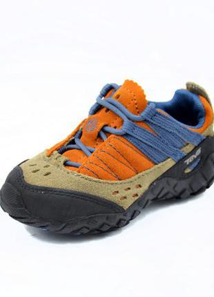 Трекинговые кроссовки teva. стелька 15 см