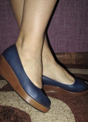 Туфли на танкетке синие ethelaustin р.37