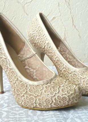 Туфли гипюровые 38р.