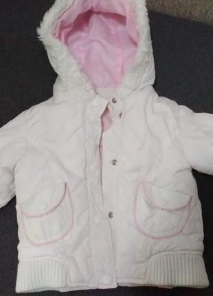 Гарна курточка для дівчинки