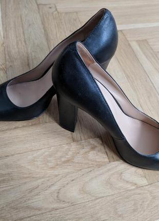 Черные кожаные туфли mascotte