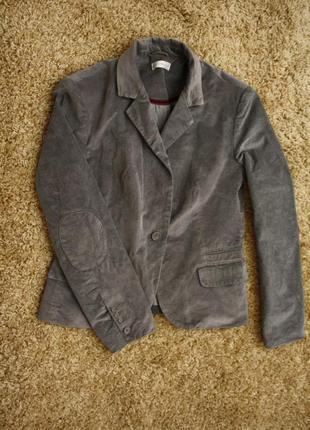 Отличный пиджак блейзер с заплптками на рукавах