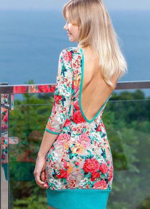Платье из французского трикотажа с открытой спиной новое с цветами р. 42-44