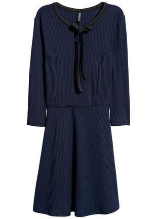 Платье из рельефного трикотажа h&m 36/s