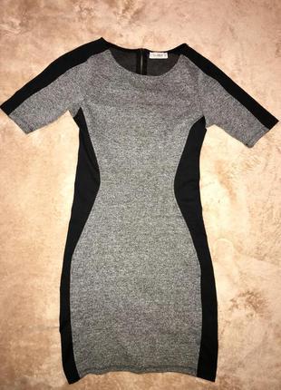 Обтягивающее платье, стройнит фигуру