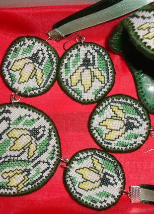 Бижутерия ручной работы с вышивкой