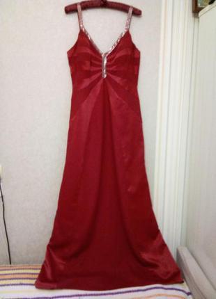 Шикарное вечернее платье в пол с бисером