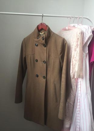 Весеннеее пальто pull&bear