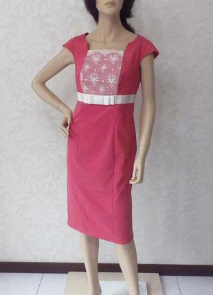 Распродажа элитных платьев. нежно-розовое платье с вставкой из дорогого кружева