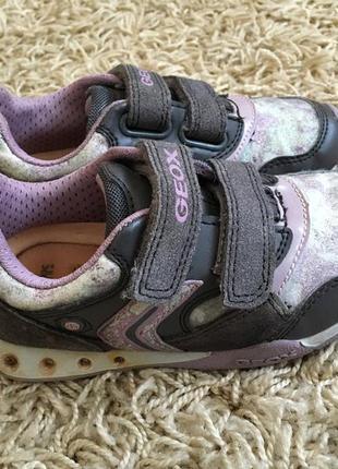 Кожаные кроссовки geox 27 р.