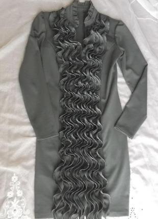 Стальное коктейльное платье с рюшами, р. 44, s