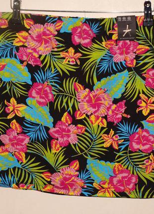 Летняя юбка (хл) 95% вискоза, 5% эластан ,красивая, с ярким цветочным узором.